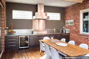 Alfresco Kitchen Designs by Modern Sophisticated Kitchen Design Meets Seamless