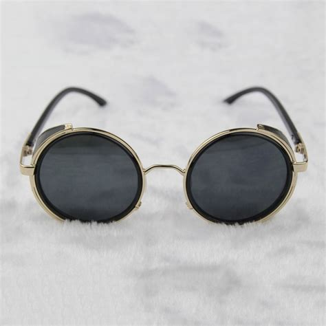 with goggles steunk glasses gold gray with side shields