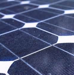Solar Panel Light Spectrum - new solar cell technology captures high energy photons more efficiently