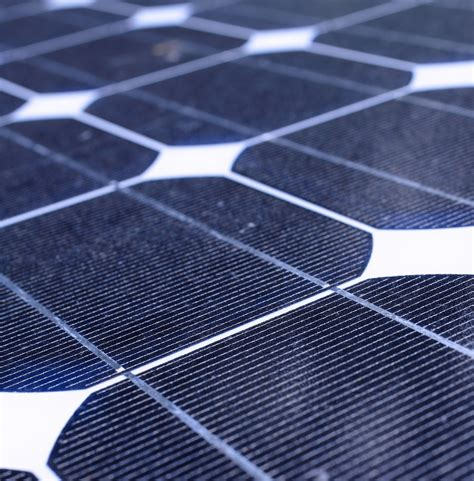 power solar cell new solar cell technology captures high energy photons more efficiently