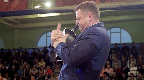 detik okezone video menakjubkan pria ini mu lipat penggorengan