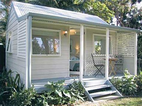 backyard cabins australia 25 best ideas about backyard guest houses on pinterest