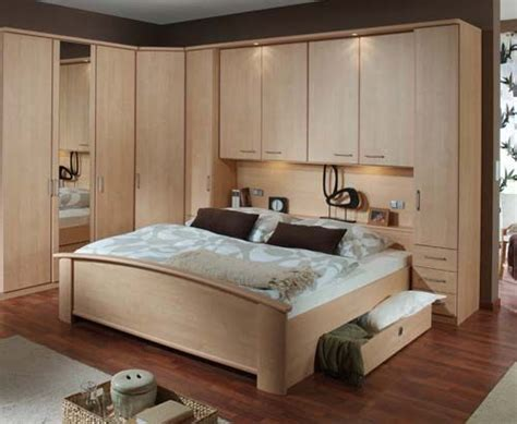 Fitted Bedroom Designs For Small Rooms 24 Best Images About Dormitor On Fitted