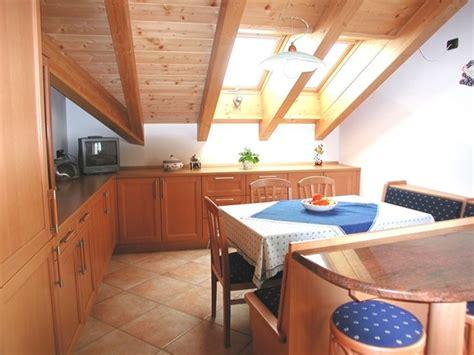 cucine in mansarda mansarda ottimizzare gli spazi per un nuovo vano