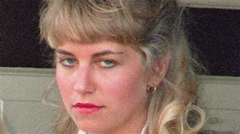 whats the deal with the hole in clair underwoods neck serial killers paul bernardo and karla homolka canada