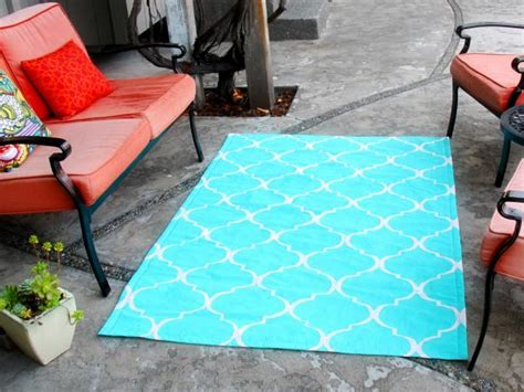 Make An Outdoor Rug how to stencil paint an outdoor rug how tos diy