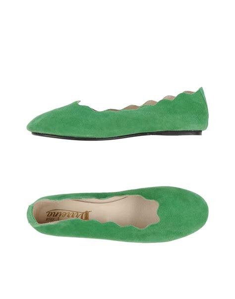 green ballet slippers lyst virreina ballet flats in green