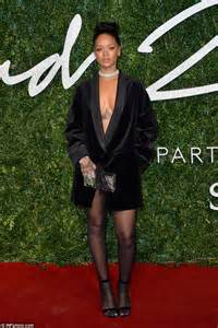 Fashion Awardsthe After by Rihanna Keeps It Cool As She Enjoys A Lunch With