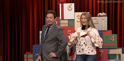 Cardigan Gif Rajut Import jimmy fallon sweater find make gfycat gifs