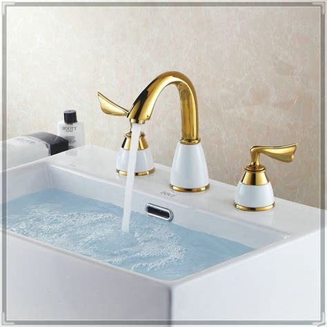 8 Quot Widespread 3pcs Faucet Set Fashion Gold Plated Copper Gold Plated Bathroom Fixtures