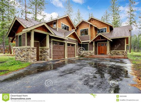 Large Cabins by Large Mountain Cabin House Royalty Free Stock Photos