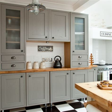 B And Q Kitchen Cabinets Classic Kitchen Dresser Makeover Grey Country Kitchen Housetohome Co Uk