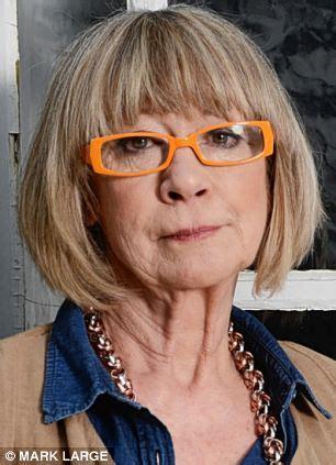 rod stewart's daughter reveals how her estranged parent is