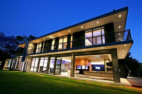 big modern house luxury and large contemporary house home building