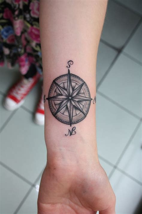 compass tattoo for siblings compass tattoo but on shoulder whatcha think lindsey