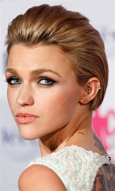 how did the feathered hairstyle come about feathered in front bob hairstylegalleries com