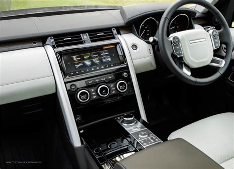 land rover discovery hse interior land rover discovery 5 hse models 01 adaptive vehicle