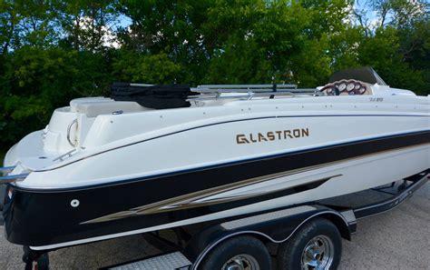 deck boat v8 glastron ds 215 deckboat 5 0 v8 volvo fuel injected w