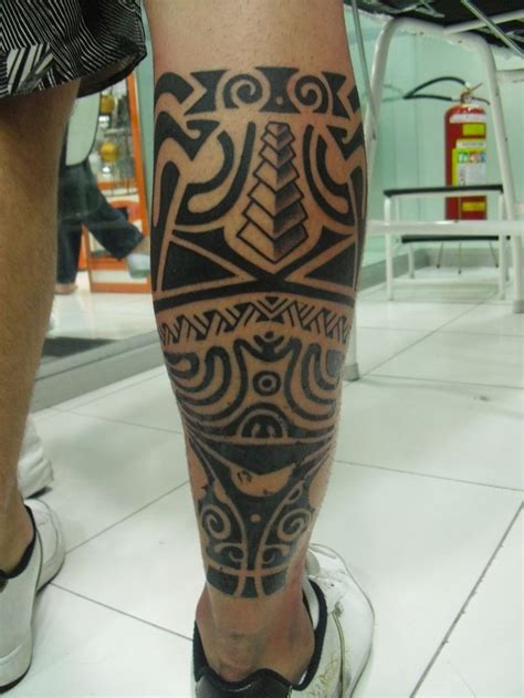tribal leg tattoos designs tribal maori design on leg http