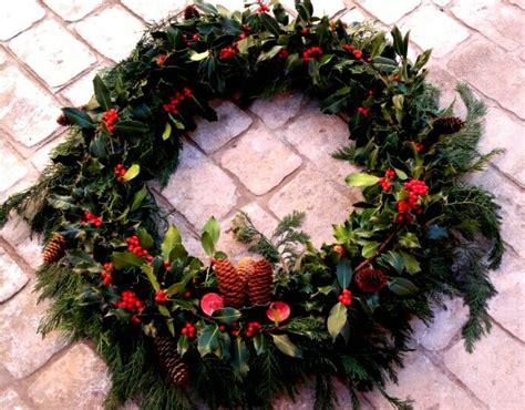 diy corona de pinas de pinosjpg 17 mejores ideas sobre corona de pi 241 a de pino en pinterest