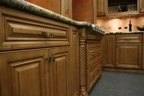 maple glaze cabinets kitchen kitchen cabinets cinnamon maple glazed builderelements com jpg