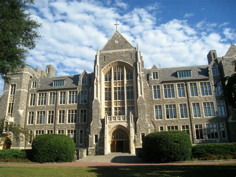 Chlain College Onlinw Mba by Georgetown Appoints Its Hindu Priest As Chaplain
