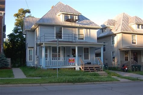 House For Rent In 905 E Burlington Street Iowa City Ia