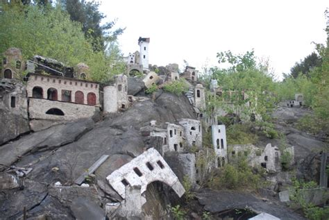 mysterious abandoned places 15 mysterious abandoned places from around the world