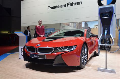red bmw 2016 2017 bmw i8 to have more power and longer range gtspirit