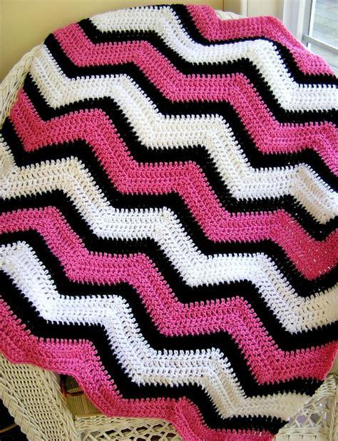 white pattern blanket item 2442 all vanna white soft yarns pink poodle
