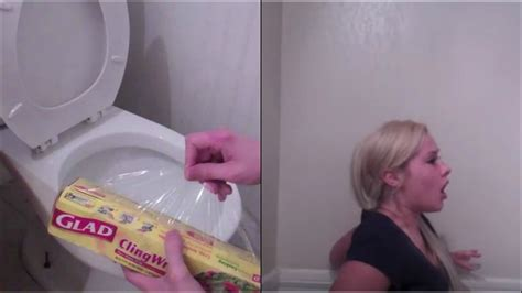 girl bathroom prank this guy comes with a very gross bath room prank on his