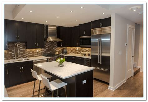 Kitchen Backsplash Ideas With Dark Cabinets by White Cabinets Dark Countertops Details Home And Cabinet