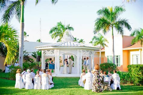 Top 10 Most Beautiful Wedding Places In The World