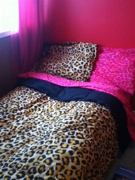 cheetah print bedroom 25 best ideas about leopard print bedding on pinterest
