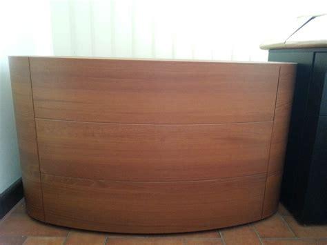 comodini in ciliegio 242 ovale in legno impiallacciato ciliegio scontato 78