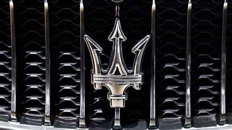 maserati logo wallpaper steel logo maserati car view details hd wallpaper