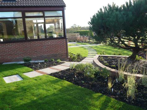 L Shaped Garden Design Ideas Garden Layout Designs Small Large Courtyard Gardens