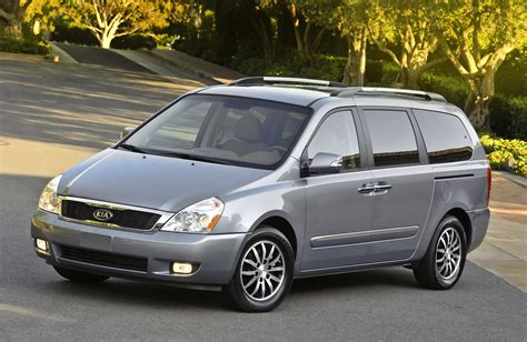 Kia Sedona Pictures 2011 Kia Sedona Gets A New Grille And More Power The