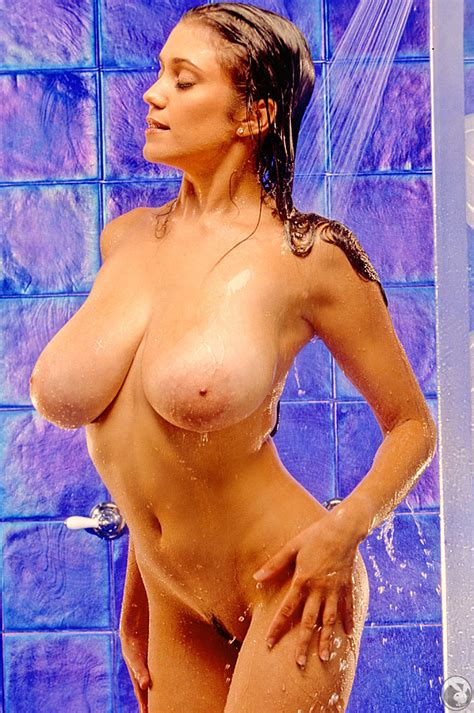 Miriam Gonzalez Shower