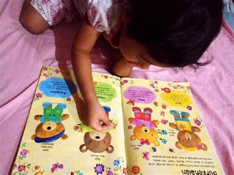 Buku Stiker Rumah Boneka seri stiker boneka beruang the