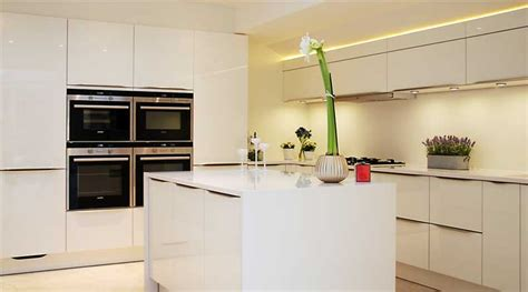 Kitchen Island Tops by High Gloss White Kitchen With White Quartz Worktops