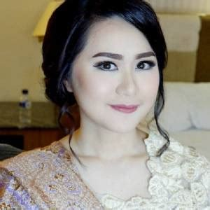 Eyeliner Citra citra makeup hairdo weddingku