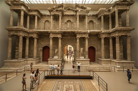porta di mileto il pergamon museum di berlino moleskine backpackers