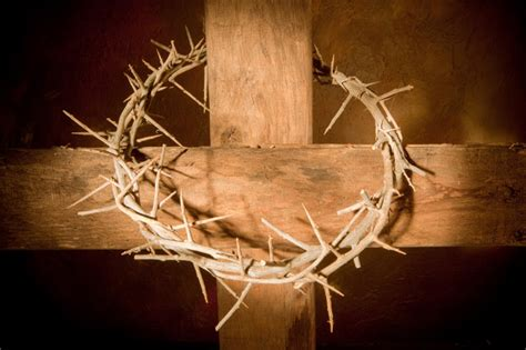 How To Make A Crown Of Thorns Out Of Paper - rugged wood cross with crown walnut hill church of