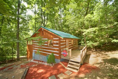 Secluded Cabin Rentals In Michigan by Cabin Rental Wears Valley Secluded Mountain Cabin Mi Cabana