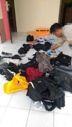 Kursi Evakuasi beredar foto evakuasi barang milik korban pesawat ada kursi hingga surat perintah tribunnews