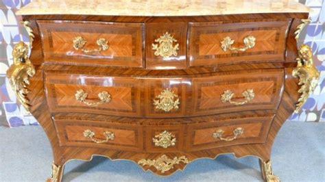 mobili stile antico prezzi come riconoscere un mobile antico in stile luigi xv