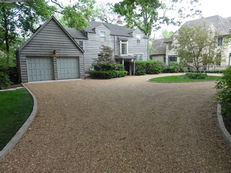 pavers around gravel driveway curb appeal ideas