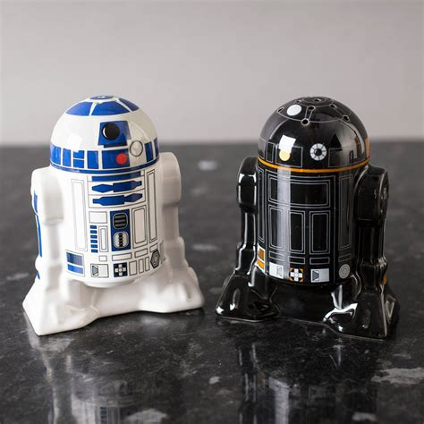R2 D2 Relegated To Pepper by Buy Wars R2 D2 R2 Q5 Salt Pepper Shakers At