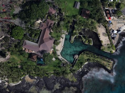 Hawaii Property Records By Name Billionaires Are Transforming Hawaii Into A Tropical Paradise For The Tech Elite